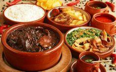 FEIJOADA, que é um prato típico do BRASIL Do norte ao sul do Brasil, sofre alguma variação em função dos ingredientes locais e dificilmente encontraremos um brasileiro que não conheça este prato..