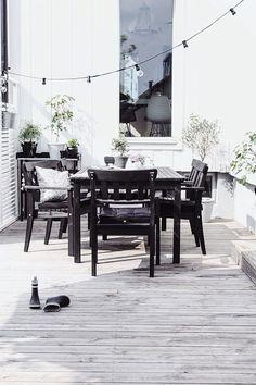 Black and White Deck Design//