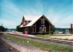 RAIL LINE: CN Renfrew Subdivision CITY: Barry's Bay MILEAGE: 96.80 Ontario, Ottawa Valley, Canadian National Railway, Canada, Bay Area, Architecture, Around The Worlds, Train Stations, Layout