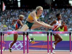 "how it's done - check that focus and ""eyes on the road"" :Sally Pearson 