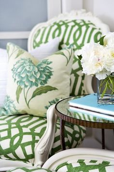 ZsaZsa Bellagio: At Home with Green and White