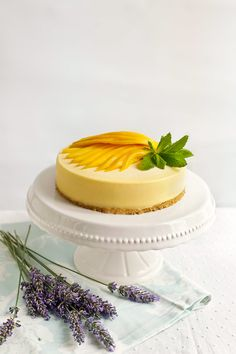 I'm actually enjoying it, especially since I just ate this rich frozen mango mousse cake. Yes, I know, I'm a glutton and I have no choice. Mango Mousse Cake, Mango Cake, No Bake Lemon Cheesecake, Cheesecake In A Jar, Mango Recipes, Sweet Recipes, Mango Mouse, Mouse Recipes, Buttercream Flower Cake