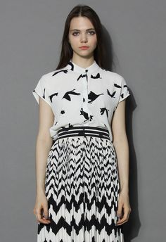 Retro Bird Print Crepe Top in White - Short Sleeve - Tops - Retro, Indie and Unique Fashion