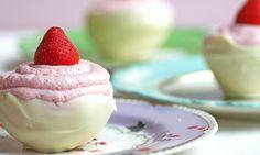 recipe-Aardbeienbavarois in zelfgemaakte chococups