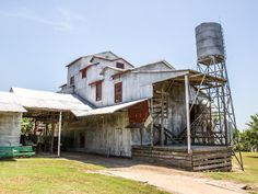 Burton Cotton Gin and Museum, Burton, Texas - Texas is not only the reigning king of cotton, it's also home to the oldest working cotton gin in America. Texas Pride, Texas Usa, Texas Things, Old Things, Cotton Gin, Only In Texas, Texas Forever, Loving Texas, Texas History