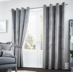 Three Ways to Decorate with Sheer Curtains in the Bedroom Modern Curtains, White Curtains, Drapes Curtains, Room Darkening Curtains, Blackout Curtains, Curtain Rails, Custom Drapes, Thermal Curtains, Home Additions