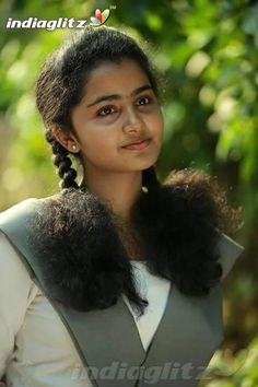 Premam Actress anupama parameswaran hot Photos aka Anupama Parameswaran hot Images - Anupama Pics in School uniform Beautiful Girl In India, Beautiful Girl Image, Beautiful Saree, Beautiful Sunset, Beautiful Ladies, Indian Actress Hot Pics, Most Beautiful Indian Actress, Actress Photos, Indian Actresses