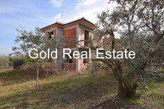 Μονοκατοικία προς πώληση Ανατολικος Όλυμπος, Λεπτοκαρυά - Ιδανική μονοκατοικία και για 2 οικογένειες. Είναι χωρισμένη σε 2 ορόφους