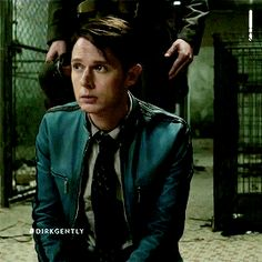 "Just Dirk being a cute | Dirk Gently's Holistic Detective Agency ""Fix Everything"" (1x06)"