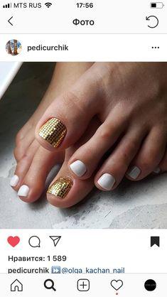 36 Ideas For French Pedicure Ideas Toenails Pretty Toes Gold Toe Nails, Cute Toe Nails, Feet Nails, Toe Nail Art, Pretty Nails, Pretty Toes, Shellac Pedicure, Manicure Y Pedicure, Pedicure Designs