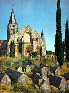 santonge france | romane d'Aulnay-de-Saintonge. Church of Aulnay de Saintonge, France ...