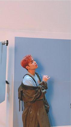 Ju-ne looks so damn cute with pink hair❤❤😻😻