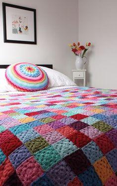 PARA MATAR A SAUDADE DE COLCHAS DE CROCHE.VEJA 10 IMAGENS LINDISSIMAS fonte-https://br.pinterest.com/pin/358458451564928481/ fonte-https://br.pinterest.com/pin/13510867604021651/ fonte- Crochet: Vivid Dreams Blanket Completed! Foto de Sewing Daisies em Flickr fonte- My second Granny blanket (explored) Foto de as_art_up em Flickr fonte-https://br.pinterest.com/pin/517069600940540118/ https://br.pinterest.com&#...