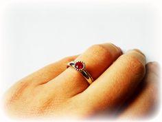 Zilveren Ring met Robijn van AdMirei op Etsy, €49.00