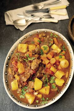 Ouma se tamatiebredie South African Recipes, Ethnic Recipes, Pot Roast, Recipies, Beef, Food, Carne Asada, Recipes, Meat