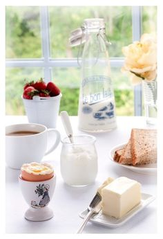 sweet simple breakfast for guests