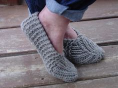 I so want to make everyone in my family knitted slippers for Christmas!   #knitting #slippers
