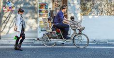 Acidentes em bicicletas transportando crianças são muito comuns no Japão.