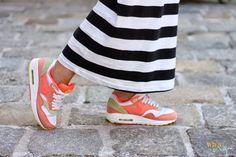 WIEN EN VOGUE Maxi-dress from Adidas. Sneakers von Nike Air Max