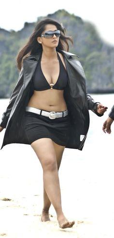Hot Images Of Actress, Bollywood Actress Hot Photos, Indian Actress Hot Pics, Bollywood Girls, Beautiful Bollywood Actress, South Indian Actress, Beautiful Actresses, Beautiful Blonde Girl, Beautiful Girl Photo