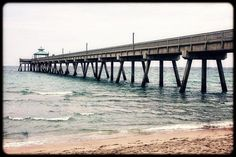 Deerfield Beach Pier in a cloudy day  #deerfieldbeach #beach #ocean #pier #beautiful #streamzoo #florida #southflorida #photo #photography #sea #cannon