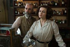 """Edith Ellyn (Helena Bonham Carter) und ihr Ehemann Hugh (Finbar Lynch) in """"Suffragette - Taten statt Worte"""". Ab Februar 2016 im Kino! #suffragette #kino"""