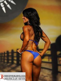 Amanda Latona -perfect tush!