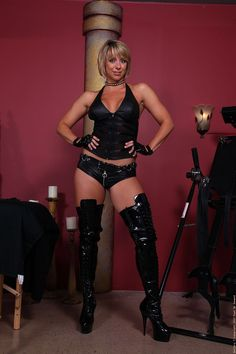 Story sex leather boots gloves
