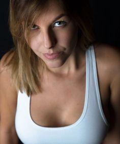 Elena  #chrisherzog #people #portrait #peoplephotography #people_infinity #portraitphotography #portraitmood #portrait_shots #studiophotography #beautifulpeople