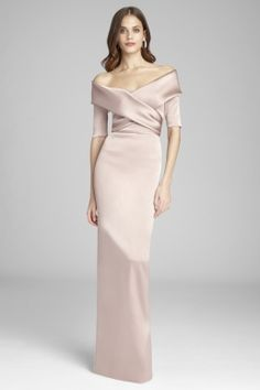 Find the perfect Teri Jon cocktail dresses and evening gowns for the mother of the bride. Try our lace dresses, tea length dresses, dresses with sleeves, and other styles to feel like the young and beautiful mother of the bride that you are. Evening Gowns With Sleeves, Off Shoulder Evening Dress, Formal Dresses With Sleeves, Half Sleeve Dresses, Mob Dresses, Mermaid Evening Dresses, Satin Dresses, Tulle Dress, Prom Dress