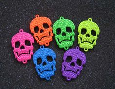 Hey, I found this really awesome Etsy listing at https://www.etsy.com/listing/157625279/6pcs-colorful-lovely-skull-charm