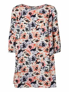 Fresh florals from VERO MODA. #veromoda #floral #dress #summer