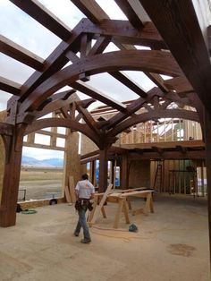 House in Montana .sons for a pergola to lose it's looks. House in Montana Timber Frame Homes, Timber House, Timber Frames, Viking House, Timber Pergola, Oak Frame House, Roof Trusses, Wood Joinery, Pole Barn Homes
