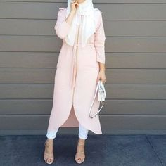 neutral blush hijab outfit- Neutral hijab outfit ideas http://www.justtrendygirls.com/neutral-hijab-outfit-ideas/