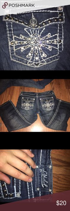 L.A. Idol capris PERFECT CONDITION!!!!! L.A. Idol capris. These are so cute!! Perfect for winter with boot socks and riding boots!! Make me an offer!!! Jeans Ankle & Cropped