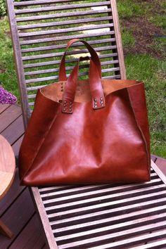Sac cuir Mademoiselle Zingara L'indispensable.... sur le site mademoisellezingara.com