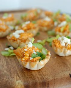 Buffalo Chicken Hummus Bites are a healthy twist on your favorite buffalo chicken dip using hummus instead of cream cheese. This creamy, spicy dip is baked inside of a mini fillo dough shell.// A Cedar Spoon (sponsored) Buffalo Chicken Recipes, Chicken Dips, Best Chicken Recipes, Healthy Chicken, Turkey Recipes, Fall Recipes, Tailgate Appetizers, Appetizer Dips, Appetizer Recipes