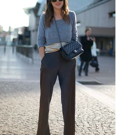 Top :Grey Cropped Sweater over Silk Top Bag: Black CHANEL Bag Pants: Black Silk Flared Trousers Photo By:Phil Oh cheap designer handbags outlet Cropped Tops, Cropped Pullover, Cropped Sweater, Grey Sweater, Casual Chic, Office Looks, Looks Style, Street Style Looks, Grey Pants