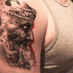 Medieval king from 15 Amazingly Cool 3D Tattoos (tattoos, 3d, art) - ODDEE
