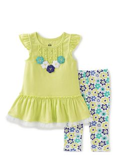 Take a look at this Kids Headquarters Green & Blue Floral Tunic & Capri - Infant, Toddler & Girls today! Kids Outfits Girls, Toddler Girl Outfits, Little Girl Dresses, Boy Outfits, Girls Dresses, Toddler Girls, Baby Girls, Girls 4, Floral Leggings