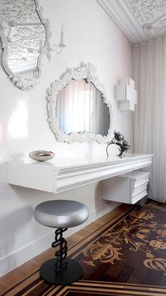 Neo-baroque interior design luxury and modern apartment in Amsterdam Top Interior Designers, Interior Design Studio, Luxury Interior Design, Interior Exterior, Interior Design Inspiration, Design Ideas, Top Designers, Design Projects, Interior Decorating