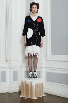http://www.vogue.com/fashion-shows/fall-2016-ready-to-wear/peter-jensen/slideshow/collection