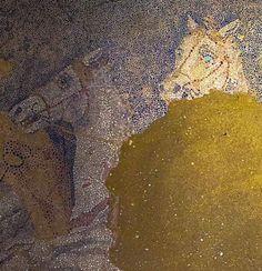 Θεός ή θνητός ο οδηγός του άρματος στο μωσαϊκό της Αμφίπολης;