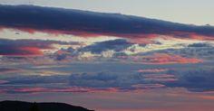 Skrivebordsbakgrunn: Skyer over Askøy i blått og rosa / Clouds over Askøy in blue and pink I Wallpaper, Clouds, Pink, Blue, Outdoor, Outdoors, Outdoor Games, Pink Hair, The Great Outdoors