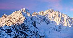 Inverno e neve in #Valtellina  La montagna della Valtellina è la meta ideale per le tue attività invernali. È il luogo perfetto per emozionarsi sulla neve a contatto con la natura, tra una camminata con le ciaspole e una discesa mozzafiato sulle piste di sci alpino presenti in Provincia di Sondrio.