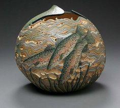 精致的中国传统葫芦雕刻艺术