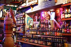 Sunset Grill & Tab: over a 100 tap beers and 400 bottled - paradise.