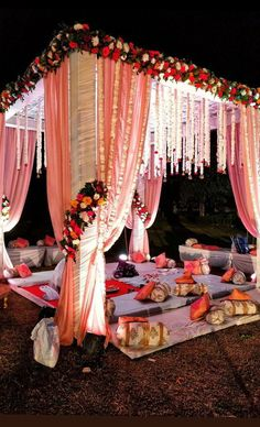 Planning your wedding with the help of best wedding planner in Delhi Inch Perfecto- Wedding Planner, Decor, DJ/Music. Desi Wedding Decor, Wedding Decorations On A Budget, Wedding Mandap, Wedding Events, Weddings, Gujrati Wedding, Carnation Wedding, Mandap Design, Mehndi Decor