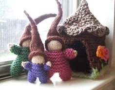 directions for knitting this gnome home (will go great with the grade 3 gnomes)