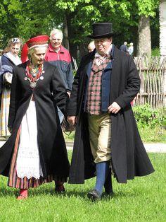 Traditional costumes from West Estonia, 19th century. Photo by Priit Halberg.  Rahvarõivaste valmistajate kooli lõpetajate lõputööde esitlus, 6. juuni 2010 by pitsimeister, via Flickr. http://www.flickr.com/photos/perignon/4677646231/sizes/z/in/set-72157603974023750/